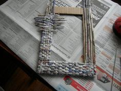 http://hoyhablamos-de.blogspot.co.il/2012/06/manualidades-con-papel-periodico.html