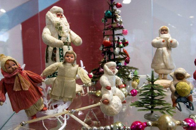 Советские ватные елочные игрушки 20-50 гг. ХХ века (из собрания музея елочной игрушки в городе Клин, Россия)