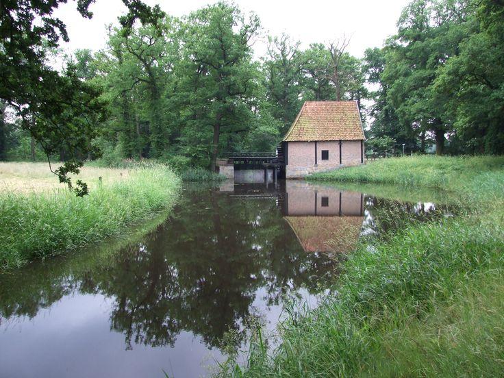 Een watermolen in Twente.