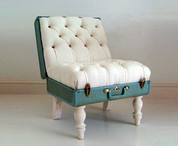 Recyclage Valise ancienne pour chaise