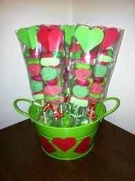 Fiestas con encanto: Ideas para brochetas de chuches - rojo y verde