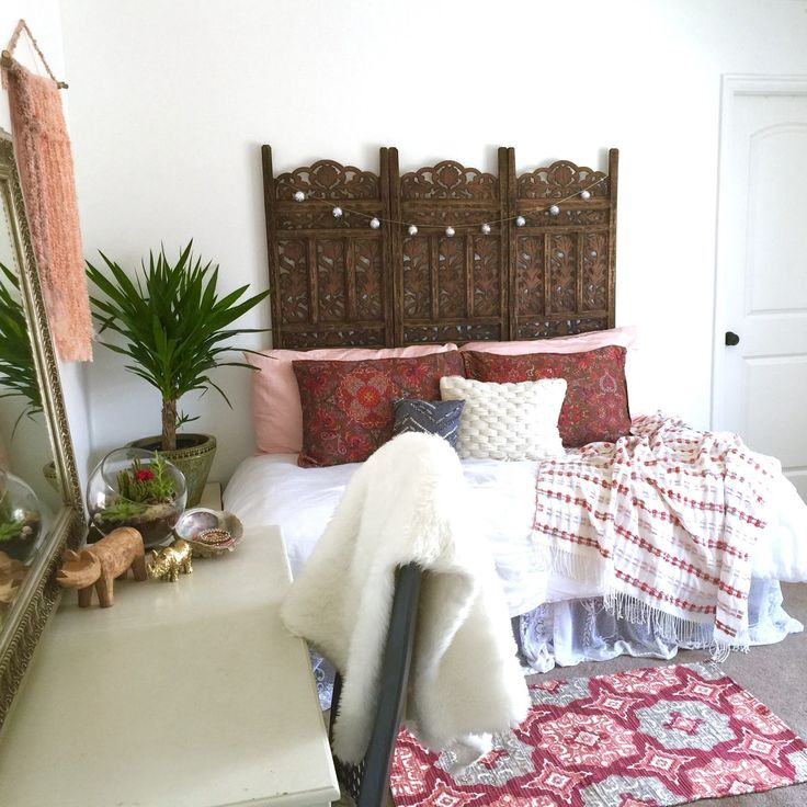 Best Boho Bedrooms That Perfectly Expresses Your Personality: Boho Bedrooms | Modern Hippie Decor | Boho Sofa