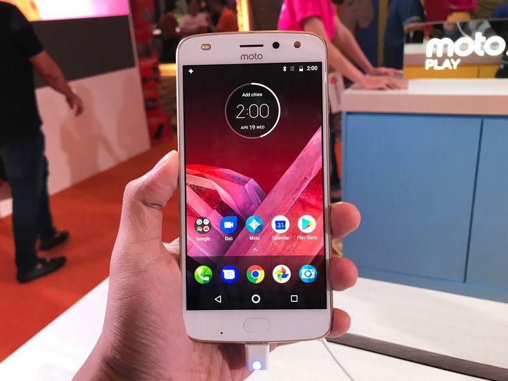 Pandang Pertama: Moto Z2 Play  Peranti Kelas Pertengahan Dengan Sokongan Aksesori Modular  Moto Z2 Play  Skrin  5.5 Super AMOLED 1080p 401 ppi  Chipset  Qualcomm Snapdragon 626  CPU  8 x 2.2 GHz Cortex-A53  GPU  Adreno 506  Memori  4GB RAM  Storan  64GB microSD sehingga 256GB  Kamera Utama  12MP f/1.7 4K@30fps  Kamera Hadapan  5MP f/2.2 1080p@30fps  Sambungan  WiFi 802.11 a/b/g/n Bluetooth 4.2 A-GPS Glonass LTE band 1/3/5/7/8/19/20/28/38/40/41  Jenis Slot SIM  Nano-SIM  Nano-SIM  microSD…