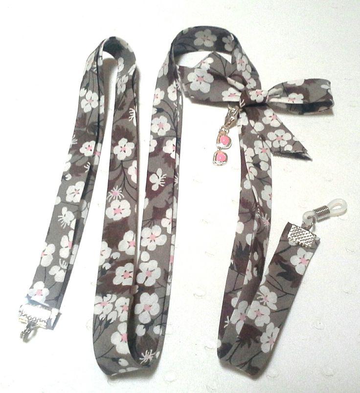 cordon pour lunettes en biais liberty décoré d'un noeud et d'une breloque : Lunettes, lunettes de soleil, cordons par va-crea