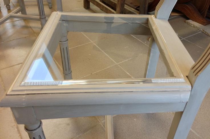 Le cannelage a été remplacé par un plexiglas très résistant et confortable. Le mélange avec le bois est très réussi.