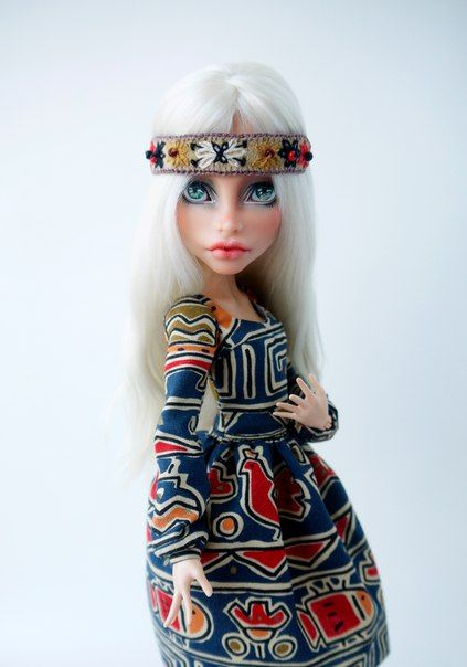 Custom Fashion Dolls Club / OOAK Monster high