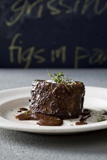 Beef Fillet with chocolate-chilli sauce