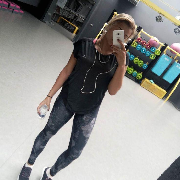 #polskadziewczyna      ______  #fashion #fashionblogger #lifestyle #lifestyleblogger #smartgymgliwice #selfie #sotd #ootd #gym #gymgirl #instagirl #mirrorselfie #silownia http://ift.tt/2q3ttNQ