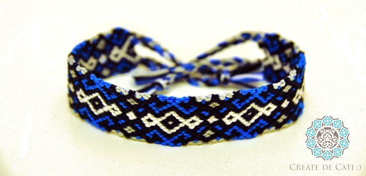 Electric blue friendship bracelet Pattern found on the internet