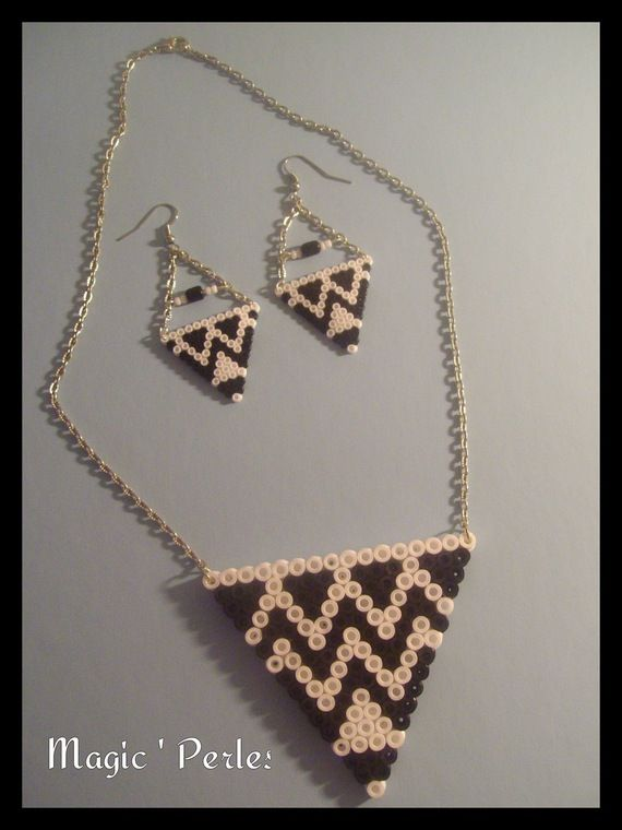 sandylandya@outlook.es  Jewelry set hama perler beads by  Alice Tobbi