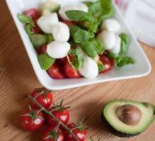 Recette - Salade avocats, Caprice des Dieux, tomates et olives noires - Notée 4/5 par les internautes
