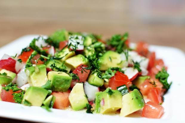 Tavaszi saláta – önmagában is mennyei, de köretnek is fantasztikus!