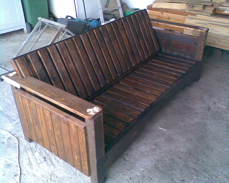 Couch from an old bed and pallets                     https://www.facebook.com/oikodimiourgein/