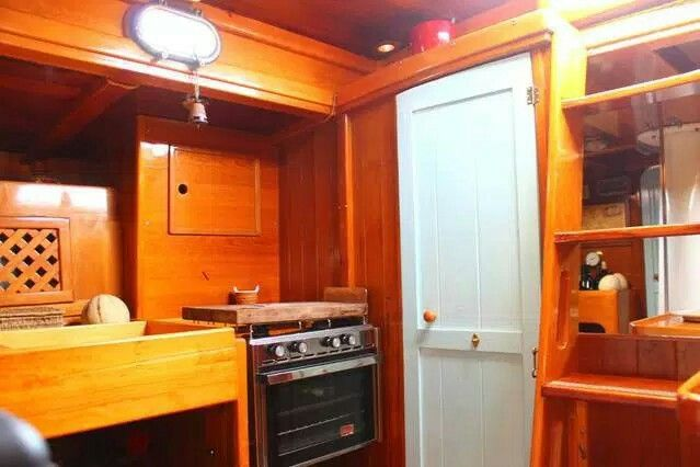 Boat and breakfast Dragut. Come and dream on board a classic schooner