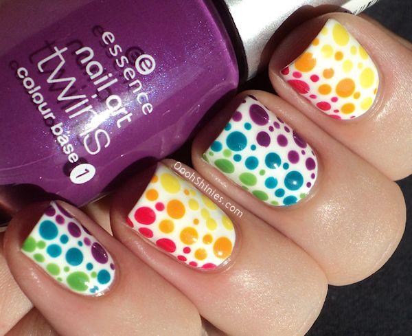 uñas, nails, nailsart, lunares, colores, voleta, amarillo, verde, celeste, rojo