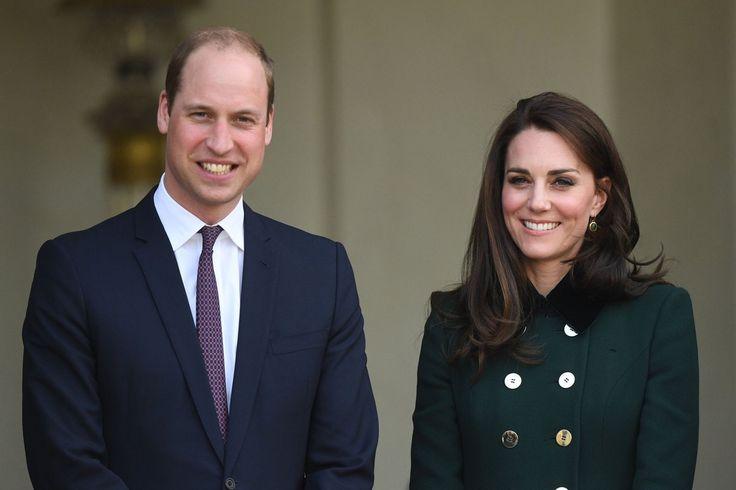 De Britse prins William en zijn echtgenote Kate verwachten een derde kind. Dat heeft Kensington Palace maandag officieel bekend gemaakt. De hertogin heeft