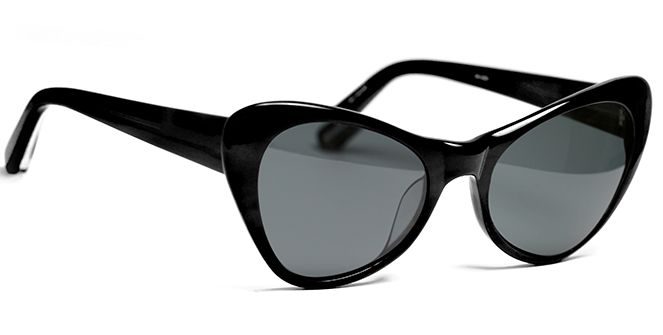 Slauson's sexy flare and smoke hued lenses impart specs appeal as well as sass, and render them ideal for whenever you want to ramp up the drama. Perfect for an al fresco lunch date with that hot guy, or some flirty banter when you're single and ready to mingle at an outdoor party or beach barbeque, wear Slauson with your favourite pair of skinnies and a strappy vest top for effortless appeal that's striking.