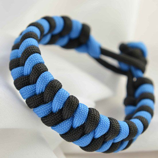 A tutorial on the fishtail paracord bracelet design.