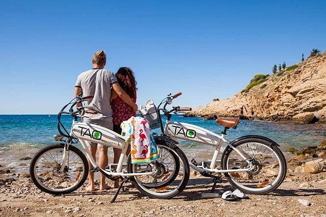 Todavía estás pensando en un regalo super original? te damos ideas!  Un día de bici para perderse por los rincones más tranquilos y las playas más solitarias.  Una ruta privada para descubrir todos los secretos de Benidorm su entorno su naturaleza y sus paisajes.  Para celebrar un San Valentín muy especial y que siempre recordaréis!! #sanvalentin #Benidorm #costablanca #spain #bikerental #bicicletas #bicicletaelectrica #bike #ebike #excursiones #tours #nature #beach