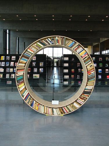 Books: Amazing Bookshelves, Bookca Books Bookshelves, Books Shelves, Round Bookshelf, Fun Ideas, Circular Bookca, Circle, Love To Reading, Bookshelf Porn