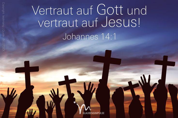 """""""»Seid nicht bestürzt, und habt keine Angst!«, ermutigte Jesus seine Jünger. »Vertraut Gott, und vertraut mir!"""" Johannes 14:1 #johannes #johannes14 #gott #jesus #vertrauen #angstfrei #freiheit #frei #glaube #glaubensimpulse #bibel #bibelvers"""