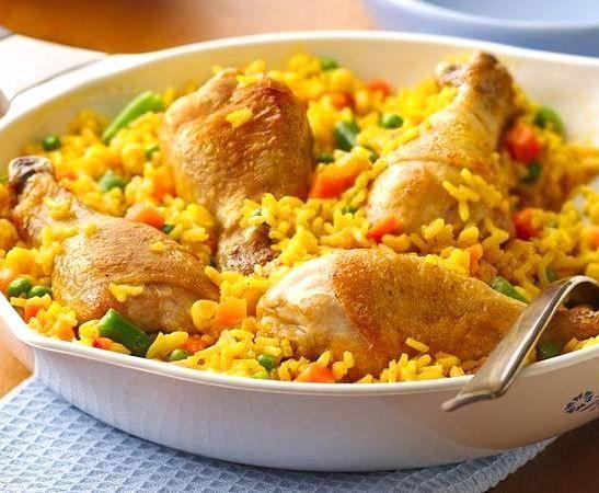 Рис с курицей - Arroz con pollo - Kurkuma project (Проект Куркума) Arroz con pollo (aррос-кон-пойо) или рис с курицей – одно из национальных блюд в странах Южной Америки. Вариантов такого народного блюда, как всегда, не счесть.