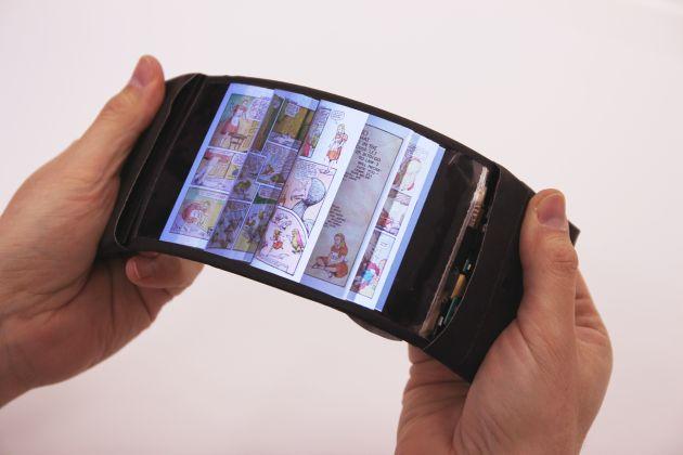 ReFlex : un prototype de smartphone flexible doté d'un retour haptique - http://www.frandroid.com/marques/lg/343059_reflex-prototype-de-smartphone-flexible-dote-dun-retour-haptique  #LG, #Smartphones