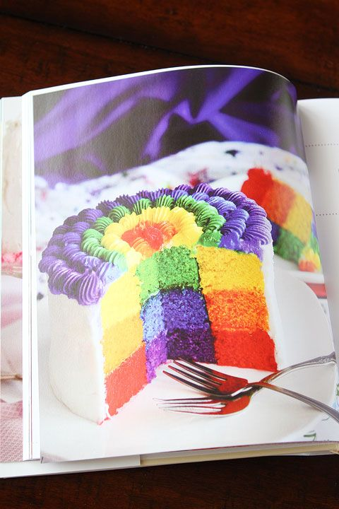 Surprise Inside Cakes Cookbook by Amanda Rettke Review. #cakedecorating #cookbook #recipe #giveaway