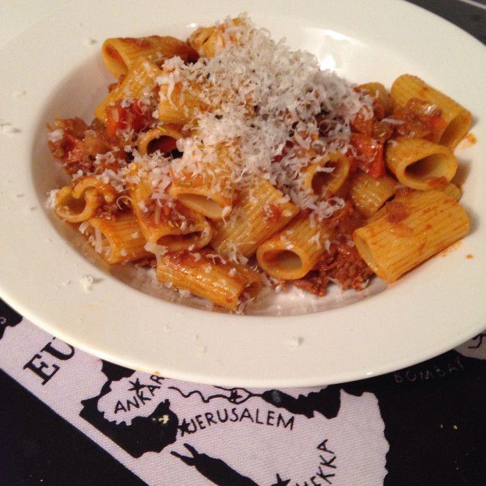 Italiensk ragu med pasta