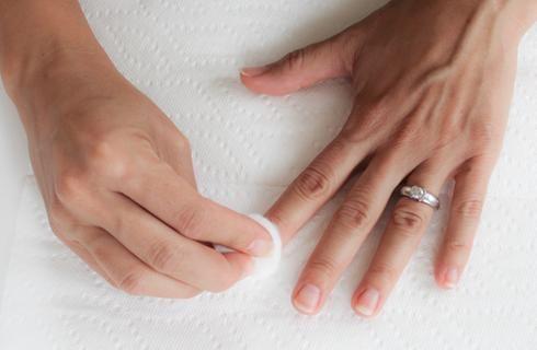 1000 id es sur le th me dissolvant de vernis ongles sur pinterest savons pour les mains. Black Bedroom Furniture Sets. Home Design Ideas
