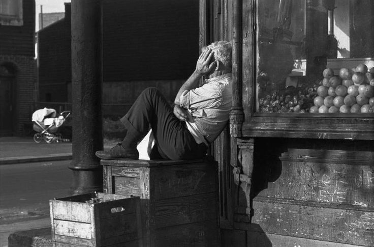 Manhattan, 1947 , Henri Cartier Bresson