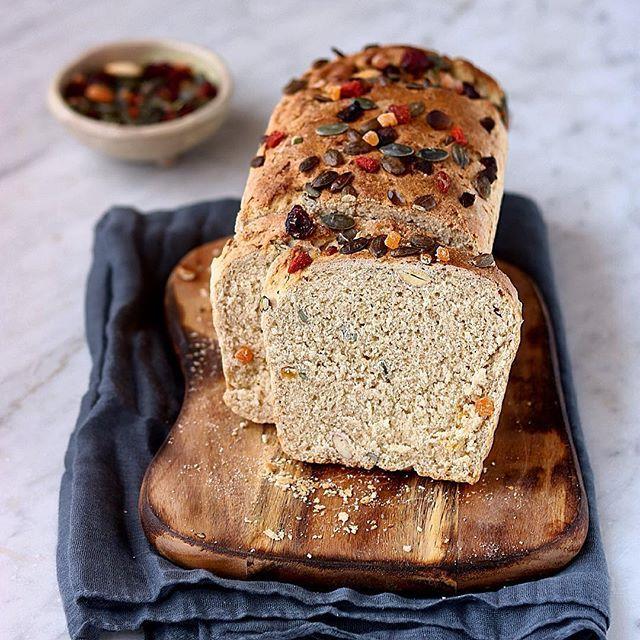 Pan brioche con farina di Tumminia, frutta secca e bacche
