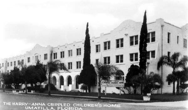 Side view of the Harry-Anna Crippled Children's Home - Umatilla, Florida