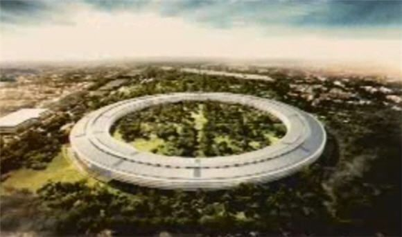 Steve Jobs pitches spaceship-shaped office building to Cupertino City Council