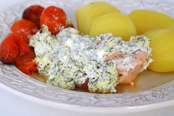 Jag vet att många av er gillar maträtter med få ingredienser. Och denna är precis en sådan- det behövs liksom inget mer för laxen och philadelphiaosten knyter ihop hela maträtten. Nom nom Önskar du att skippa potatisen- ös över lite mer cocktailtomater på laxen för ungsbakade tomater är så himla … Läs mer