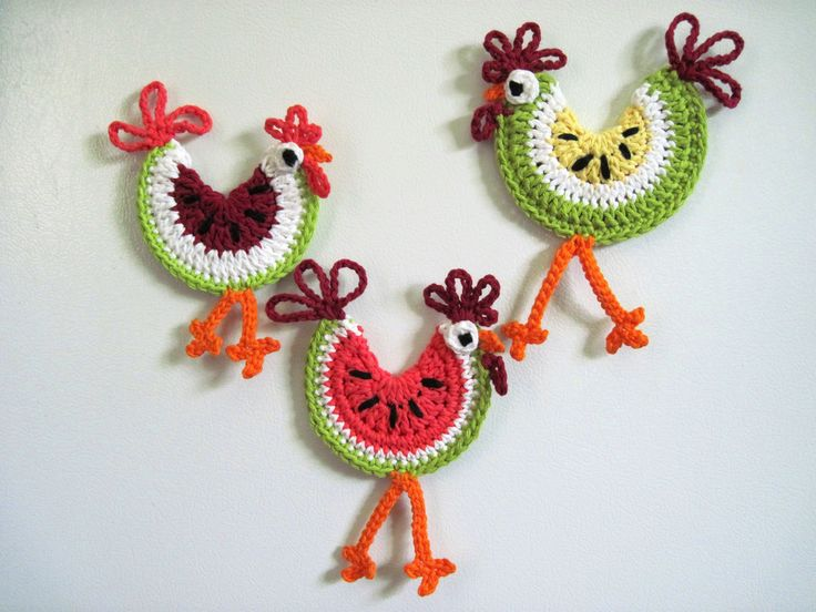 Crochet rooster magnets; for Mom. She LOVES her some roosters!