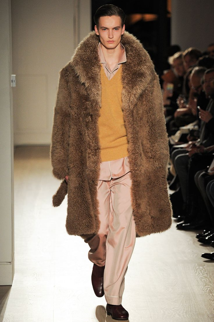 fur coat and pyjama! NONCHALANCE+dandism Dunhill Fall 2015 Menswear - Collection - Gallery - Style.com