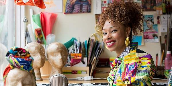 7 de abril de 2016 - El sello africano de la diseñadora Lía Samantha se mostrará en París. La 'revelación' de Colombiamoda volverá a la feria a mostrar su talento. Colombia, Computer File, March, African, Stamps, Lifestyle