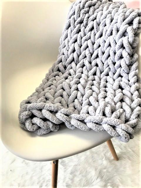 Chunky Knit Blanket, Chunky Chenille yarn, Arm Knit Blanket