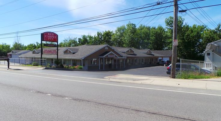 Red Carpet Inn Orchard Park Orchard Park Located just a half mile from Ralph Wilson Stadium, home of the Buffalo Bills, this Orchard Park motel features free Wi-Fi. Downtown Buffalo is less than 12 miles away.