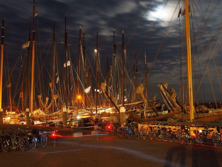 Onze schepen in de haven van Vlieland tijdens Into the Great Wide Open 2014.