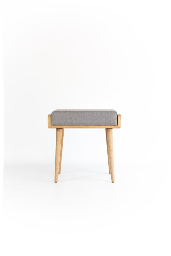 Stool / Seat / stool / Ottoman / bench made of solid oak board finished in natural oil.    Dimensions    - 18,9 wide x 13.7 deep x 17.7 high (48 cm