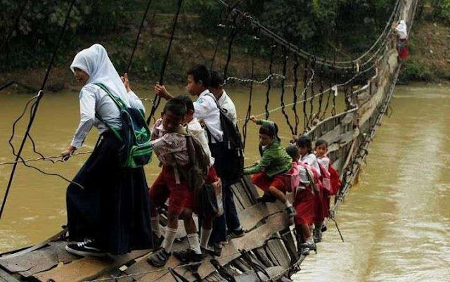 How much risk they took for education!!!  Great dedication...    Proud to Be an Human!!! being human
