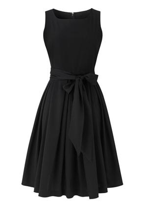 Simple black dress. my best friend is suzie branton so if she likes something, i do too. and this is worth liking.