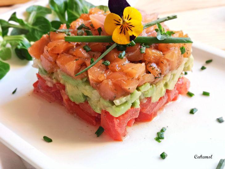 Cakemol Tartar De Salmon Y Aguacate Muy Fácil Salmon Y Aguacate Tartaro De Salmon Ensalada Con Salmon