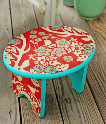 Mod Podge fabric onto a stool: Idea, Schools Rooms, Step Stools, Mod Podge, Modpodge, Podge Fabrics, Paintings Brushes, Bright Colors, Fabrics Covers