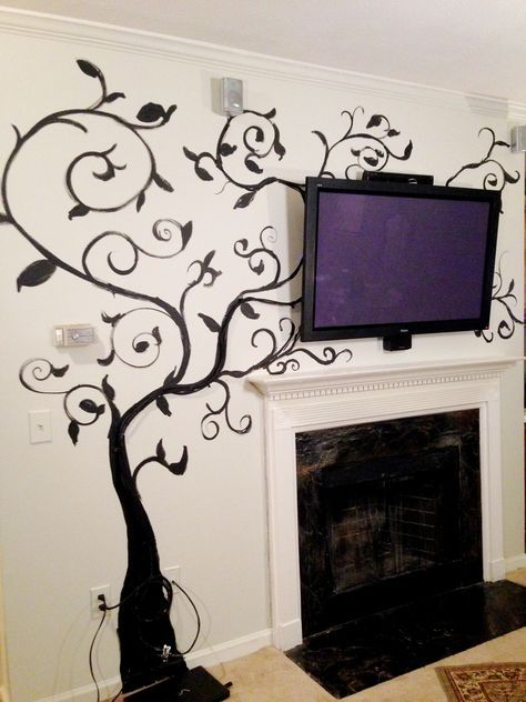 Vanishing Vines - Concealment for TV Cables • Free tutorial with pictures on how to make wall decor in under 60 minutes