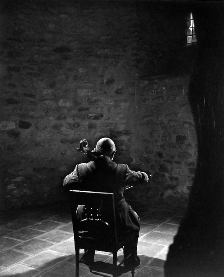 Pablo Casals -- by Yousuf Karsh, CC (Armenian: Յուսուֆ Քարշ; December 23, 1908 – July 13, 2002) an Armenian-Canadian photographer, and one of the most famous and accomplished portrait photographers of all time.