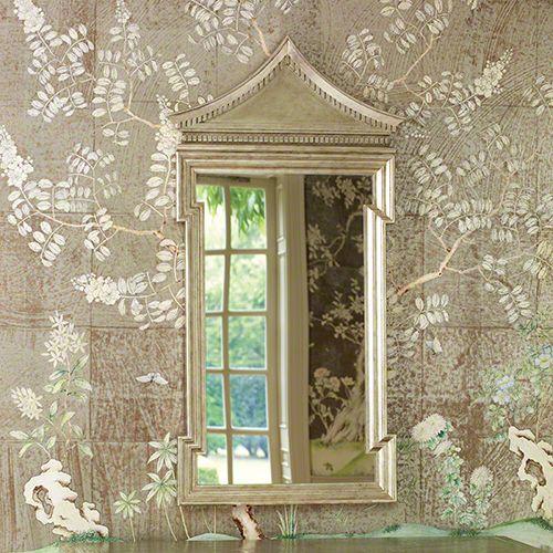 """Espejo"""" Fincastle"""".Hecho de la madera dura sólida, cubierto en metal de plata antiguo, inspirado a través del estilo Chinoiserie que el gobernador de Williamsburgo llevaba  en su habitación del palacio."""