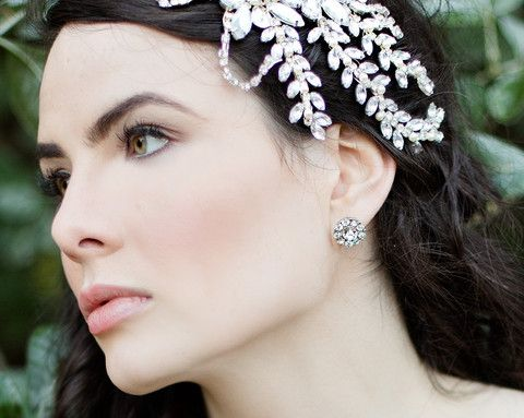 These Round Art Deco style crystal stud earrings, measure just half an inch in length they sit very neatly on the ear. Ideal for the vintage style bride. €37/$52